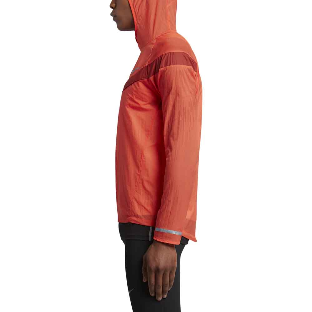 724d2ac5b5cf Nike Impossibly Light Hooded buy and offers on Traininn